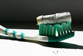 Sigarayı bırakan dişçiye koşuyor
