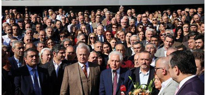 İnönü yüzlerce personelle Keskin'i belediye kapısında karşılayıp destek olacağını açıkladı!