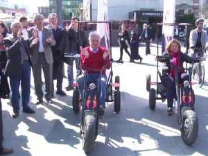 Şişli'de bir ilk: Muammer Keskin Şişli sokaklarında bisiklet kullandı!