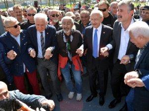 Kılıçdaroğlu, Muammer Keskin ile horon oynadı