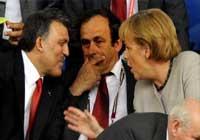 Abdullah Gül, Merkel'le ne konuştu?