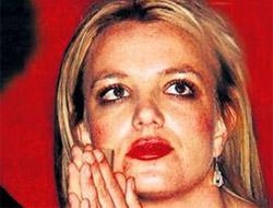 Britney kendini mahvetti