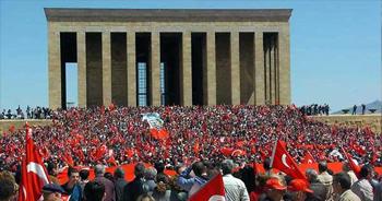 1 milyon kişi Ata'nın huzurunda