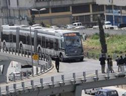 Metrobüs bozuldu halk isyan etti