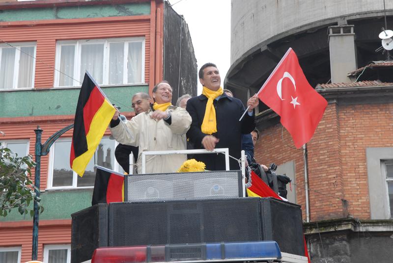 Alman Millitvekillerinden Sarıgül'e seçim desteği