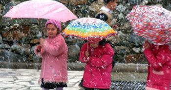 İstanbul'a Mart karı yağdı