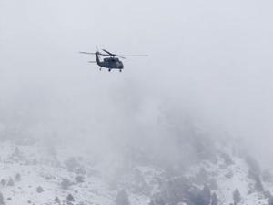 Çalışmalara katılan helikopter düştü