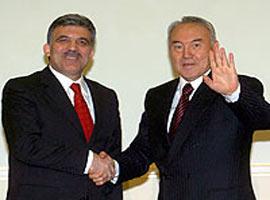 Kazak petrolü de Ceyhan'a