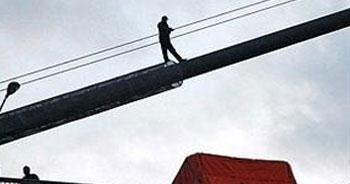 Boğaziçi Köprüsü'nden intihar