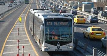 Metrobüsler yola çıkıyor