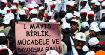 Binlerce kişi Kadıköy'e giriyor