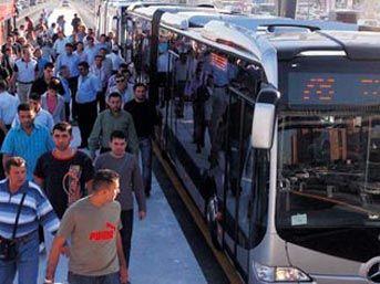 Metrobüs yolda kalıyor, tartışmalar bitmiyor