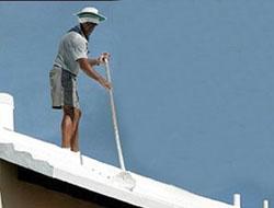 Evlerin çatısının beyaza boyayın