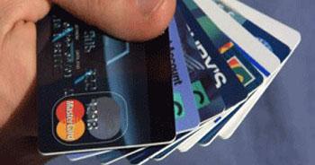 Vatandaşın bankalara borcu, Türkiye bütçesinin yarısı