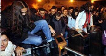 Metrobüs zammına 'bedava' protesto