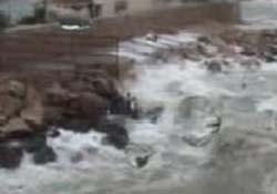 Fırtına üç kentin elektriğini kestirdi