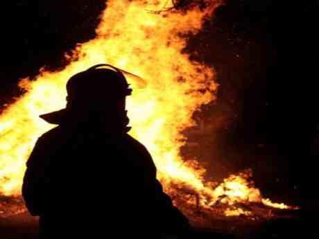 Büyükçekmece'de iki fabrika yandı