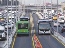 Metrobüs'te vatandaşı sevindirecek gelişme