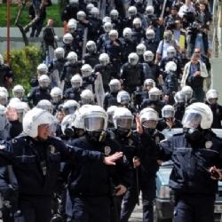 Taksim'de 1 Mayıs'a 20 Bin Polis