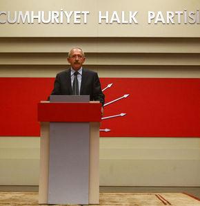 İki milletvekili CHP'ye geçti