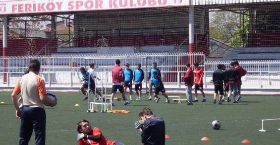 Feriköyspor, H.E.Adıvar maçı hazırlıklarını sürdürdü.