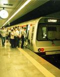 Metroda darbe yapıldı!
