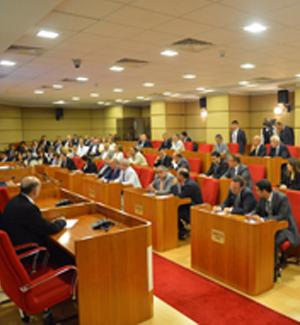 Sarıgül'ün meclis üyelerinden Sarıgül'ün özel okuluna yardım teklifi