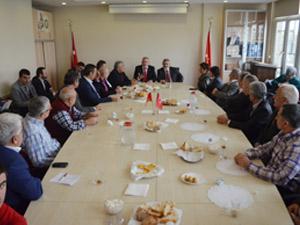 Saadet Partisi İlçe Başkanı Dinç'ten muhtarlara kahvaltı