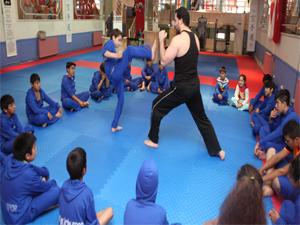 Şişli'de Kuştepeli çocuklar Karate ile hayata tutunuyor