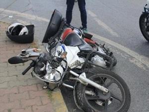 Şişli'de motosikletle otobüs çarpıştı: 1 yaralı