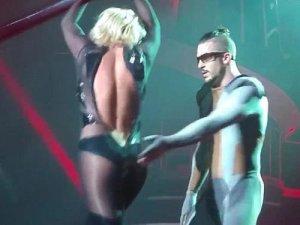 Britney Spears fermuarı açılınca işte o görüntüler