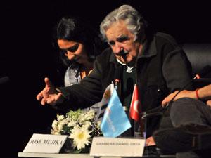 """Mujica: """"Kendi tarihinizi kendiniz yazacaksınız"""""""