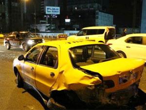 Mecidiyeköy'de trafik kazası: 2 yaralı