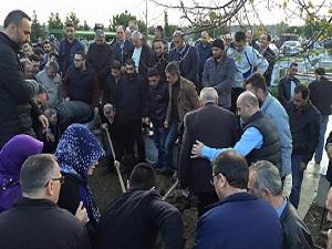 Şişli Belediye Meclis Üyesi Adnan Yılmaz'ın babası defnedildi