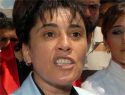 Leyla Zana hapse giriyor