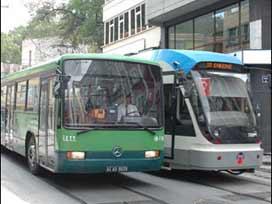 Metrobüs gelene kadar otobüse talim