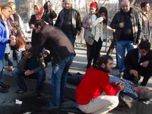 Şişli'de motosiklet kazası 2 yaralı