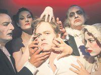 Hamlet'i hiç böyle görmediniz…