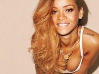 Rihanna yeniden Victoria's Secret Melekleri'yle beraber