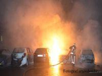 Şişli'de 5 araç kundaklandı