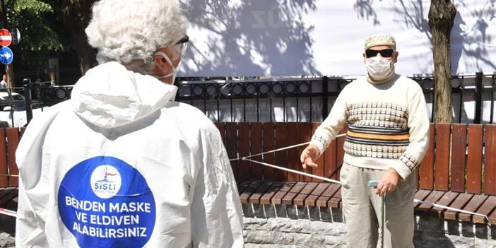 sisli-belediye-baskani-muammer-keskin-sisli-de-ucretsiz-maske-eldiven-dagitti1.jpg